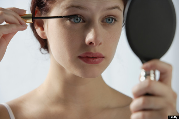 Tips For Makeup Loving Contact Lens